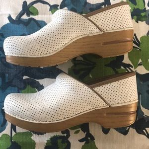 Dansko perforated off-white clogs 39